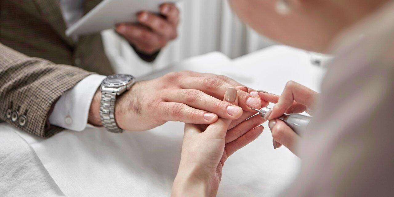 Мужской педикюр фото ногтей