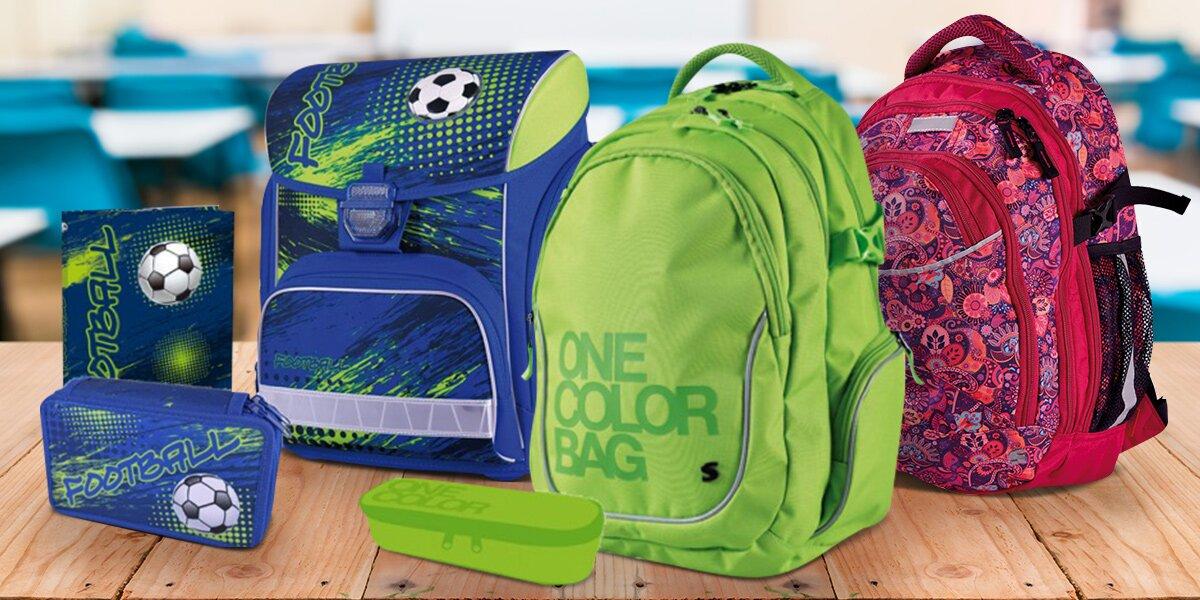 Školní batohy a aktovka s penálem a deskami  9205c82d0d