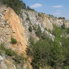 Houbův lom a Koněpruské jeskyně