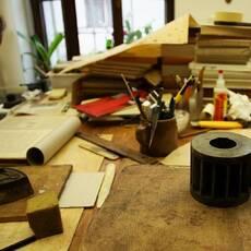 Muzeum a knihařská dílna Jendy Rajmana