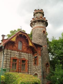 Les Království