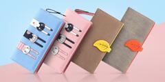 Veselé dámské peněženky v pastelových barvách