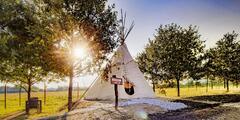 Pobyt v indiánské vesnici: nocleh v teepee a snídaně