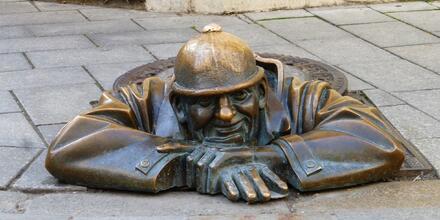 Socha v ulicích Bratislavy