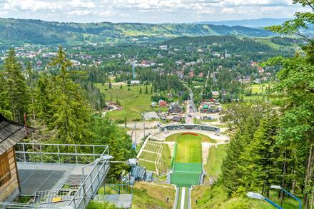 Skokanský můstek v Zakopaném, na kterém se skáče světový pohár, je mimo závody dostupný turistům. Foto: Honza Jochec