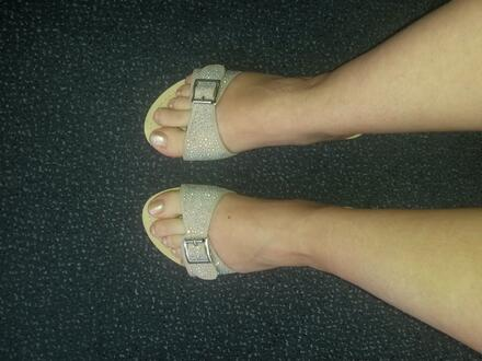 Krásné sandálky, vypadají přesně jako na fotce. Rychlé ...