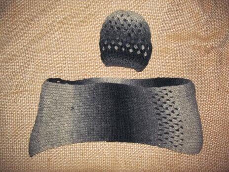 03eaabe8031 Hodnocená nabídka  Pletená šála s čepicí do chladného počasí