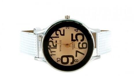 4ce4c610f3d Hodnocená nabídka  Odolné dámské hodinky WoMaGe