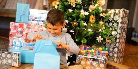Jakými dárky zabodujete u miminek i předškoláků?