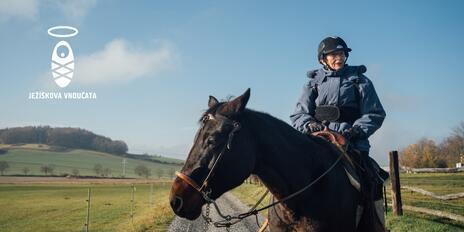 Ježíškova vnoučata: Splnili jsme přání paní Miladě, v 85 letech jela znovu na koni