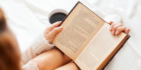 9 knížek, které potěší maminku romantičku i fanynku pořádného napětí