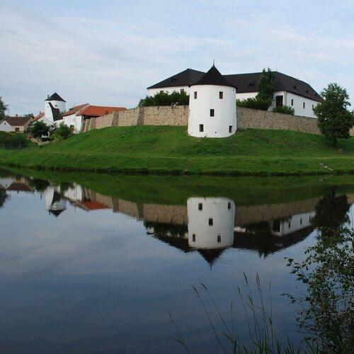 Zřícenina hradu Žumberk