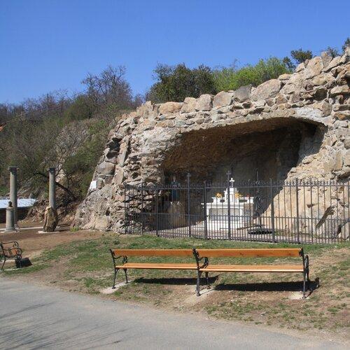 Bohutice - Lurdská jubilejní jeskyně