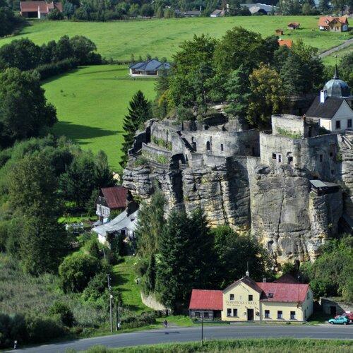 Skalní hrad Sloup v Čechách