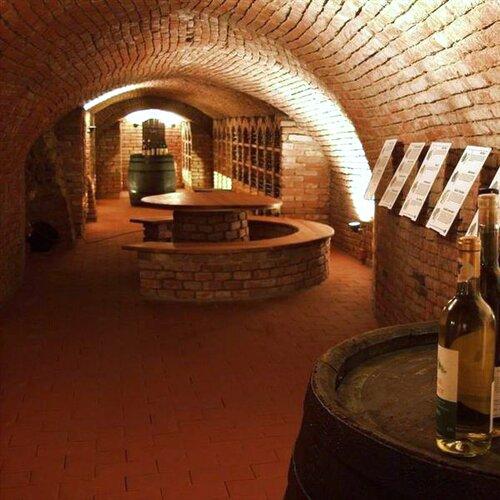 Stálá vinařská expozice Hustopeče