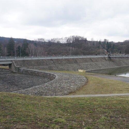 Stezka zdraví u Luhačovické přehrady