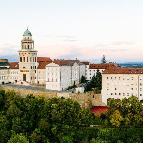 Pannonhalmské arciopatství