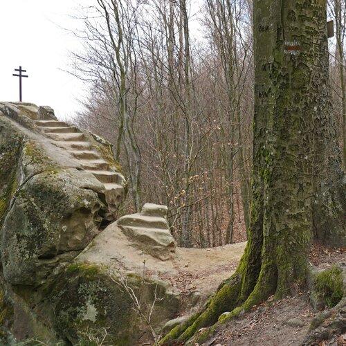 Chřiby – skalní útvar Kozel a Kazatelna