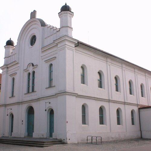 Bývalá synagoga v Břeclavi