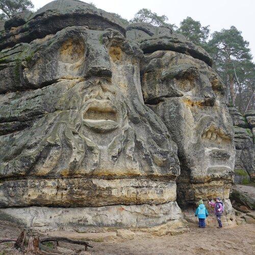 Čertovy hlavy a jeskyně Klácelka