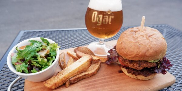 Veganské burgery pro 1-2 osoby i s pitím