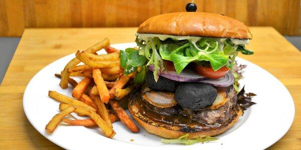 Hovězí burger s jalapeños či se sýrovými nugetami
