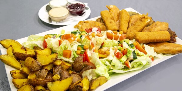 Masovo-sýrový talíř a opečené brambory pro 3 osoby