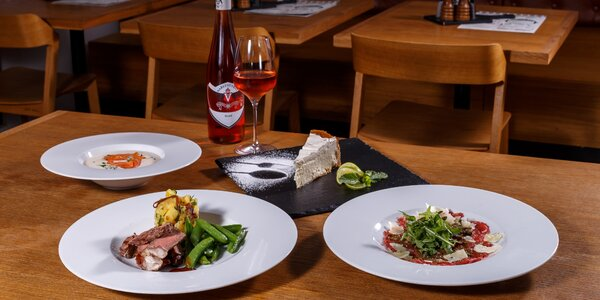 Láska na Kampě: 4chodové menu s lahví vína