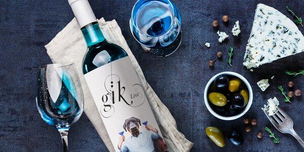 Originální modré víno Gik Blue ze Španělska