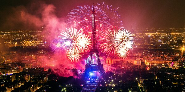 Konec roku v Paříži: doprava, oslavy a noc v hotelu