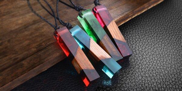 Přívěsky z kombinace dřeva a pryskyřice v 8 barvách