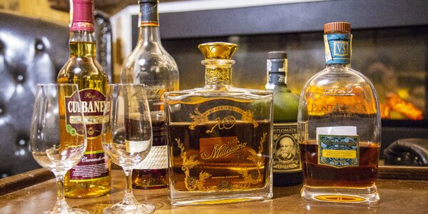 Degustace pěti světových rumů nebo whisky