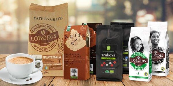 Balíčky čerstvě pražené fairtradové kávy