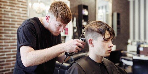 Úprava vousů i střih vlasů včetně stylingu