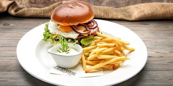 Burger nebo steak dle výběru s vyladěnou přílohou