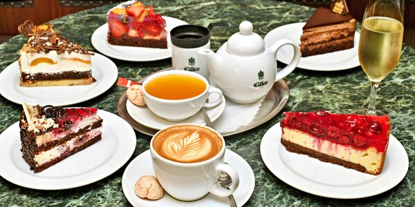 Káva a dort v secesní kavárně v Obecním domě pro 2