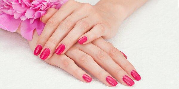 Zpevnění přírodních nehtů gelem nebo nehtová modeláž