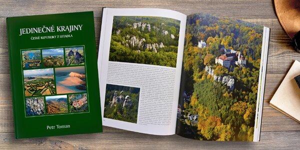 Kniha Jedinečné krajiny České republiky z letadla