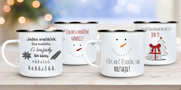 Smaltované plecháčky s vánočními i vtipnými motivy