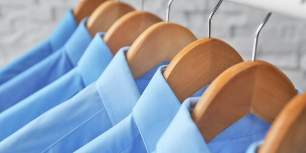 Čištění a žehlení 5 či 10 košil, vyzvednutí do 3 h