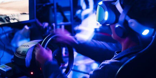 Závodění na simulátoru i s virtuální realitou