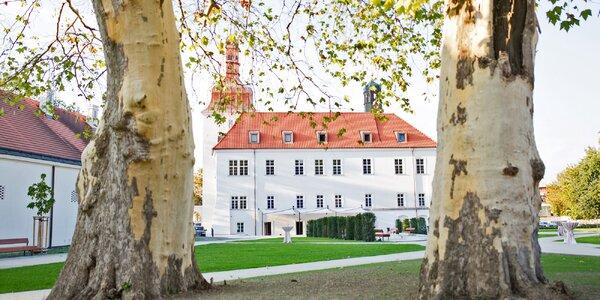 Moderní hotel v historické budově renesančního zámku
