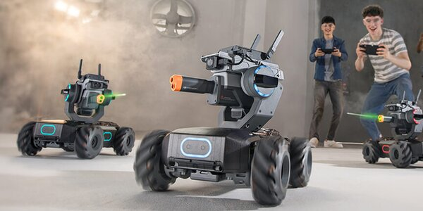 Robotí souboje v aréně: hodina hry s 1-4 roboty