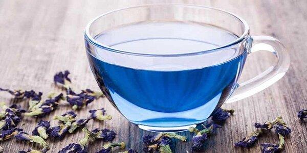 Vzácný modrý čaj: sušené květy či Matcha prášek