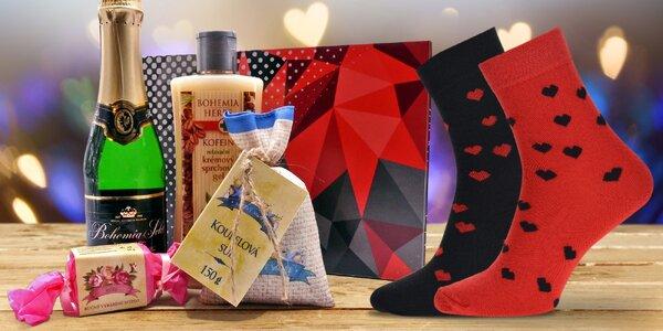 Dárkové sady: Bohemia sekt a ponožky či kosmetika