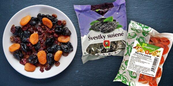 500 g nebo 1 kg sušených meruněk, švestek i klikvy