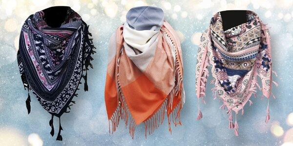 Lehký šátek se střapci nebo maxi šála