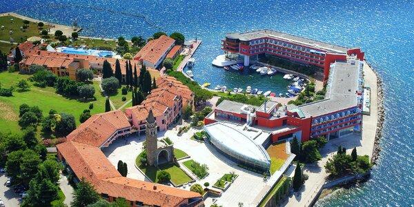 Pobyt u slovinského moře s polopenzí a aquaparkem