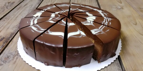 Čokoládový dort Mramor o průměru 12 nebo 18 cm