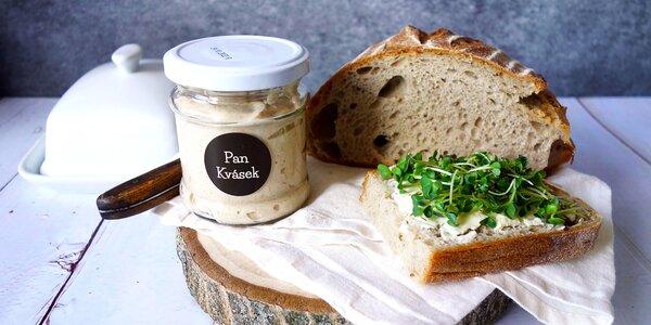 Když není droždí: recepty na housky, mazance a chléb, včetně přípravy kvásku